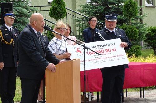 Pieniądze  dla strażaków